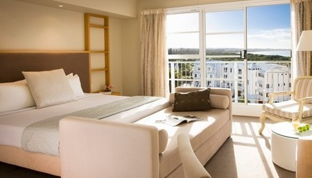 Quality Suites Deep Blue - Accommodation Adelaide