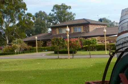 Carriage House Motor Inn - Accommodation Adelaide