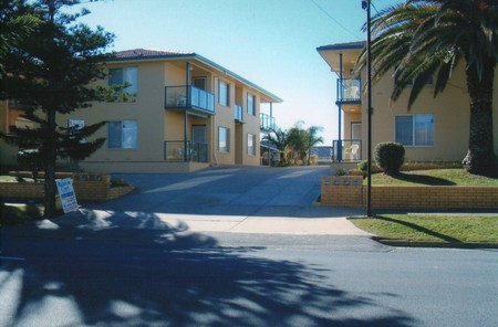 AA Madalena Court Holiday Apartments - Accommodation Adelaide
