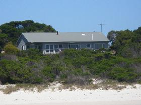 Island Beach Escape - Accommodation Adelaide