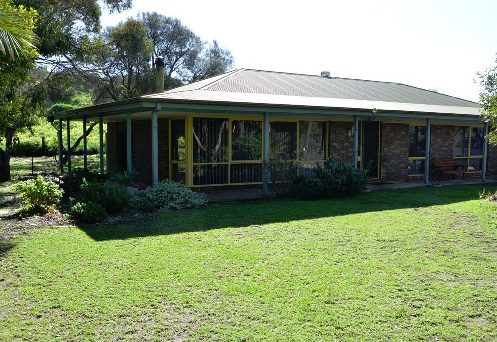 The Beach House - Normanville - Accommodation Adelaide