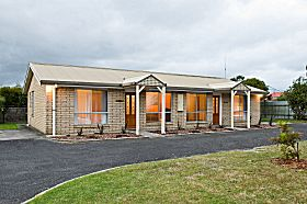 Leisureville Holiday Villas