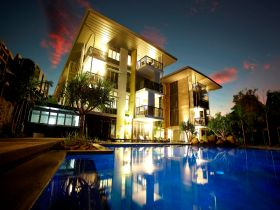 Outrigger Little Hastings Street Resort  Spa - Accommodation Adelaide
