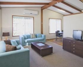 Karalta Court Village - Accommodation Adelaide