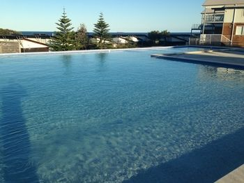 Caves Beachside Hotel - Accommodation Adelaide