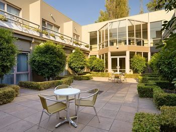 Kimberley Gardens Hotel amp Serviced Apartments - Accommodation Adelaide