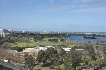 Apartments Melbourne Domain - South Melbourne - Accommodation Adelaide