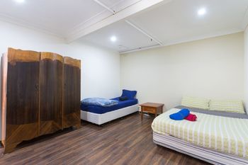 The Village Glebe - Hostel - Accommodation Adelaide
