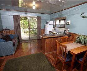 Crayfish Creek Van and Cabin Park and Spa Treehouse - Accommodation Adelaide