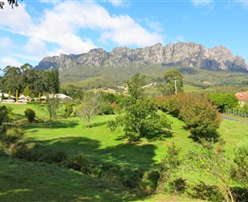 Mount Roland Country Lodge - Accommodation Adelaide