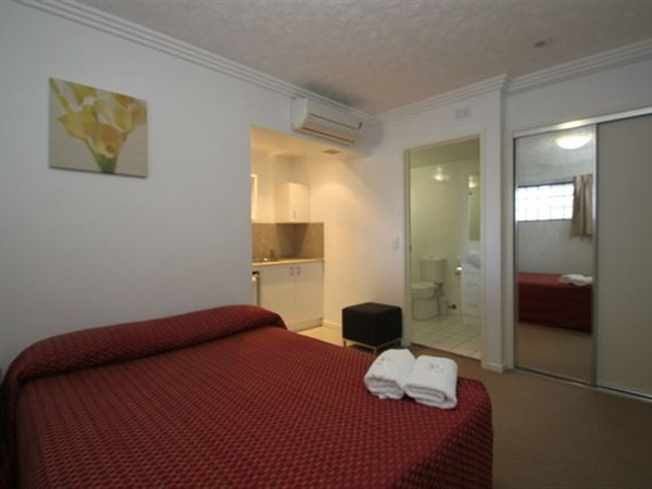 Southern Cross Motel and Serviced Apartments - Accommodation Adelaide