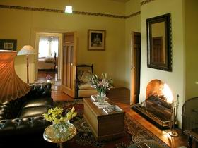 Buxton Manor - Garden and Loft Apartment Adelaide