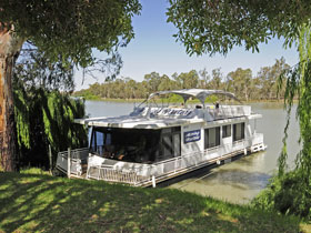Boats and Bedzzz - The Murray Dream self-contained moored Houseboat - Accommodation Adelaide