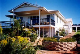 Lovering's Beach Houses - The Whitehouse Emu Bay - Accommodation Adelaide