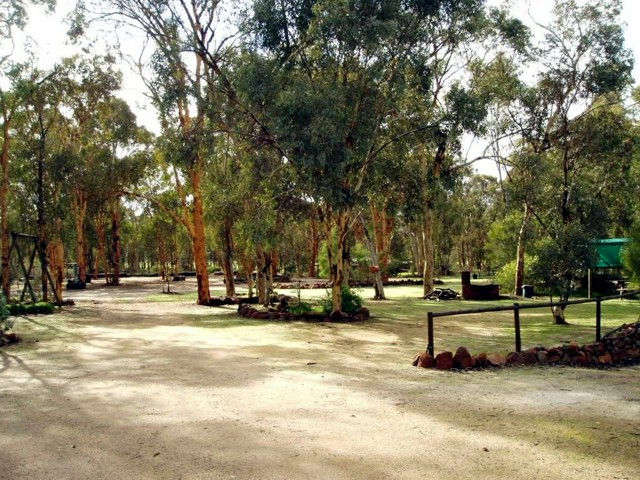 Toodyay Holiday Park  Chalets - Accommodation Adelaide