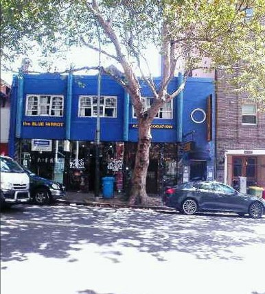 Blue Parrot Backpackers - Accommodation Adelaide