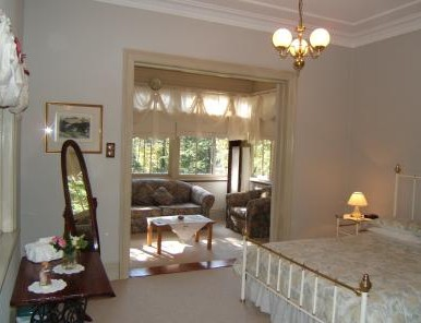 Whispering Pines - Accommodation Adelaide