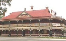 The New Coolamon Hotel - Coolamon - Accommodation Adelaide