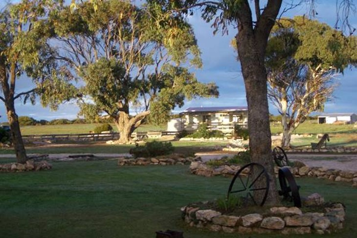 Coodlie Park - Port Kenny - Venus Bay - Accommodation Adelaide