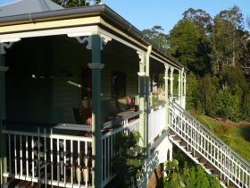 The Sanctuary Springbrook. Guest House / Cottage - Accommodation Adelaide