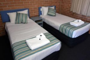 The Oaks Hotel Motel  - Accommodation Adelaide