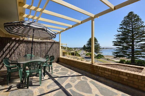 Breeze at the Bay - Accommodation Adelaide