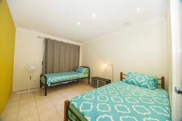 Alpha Homestay - Accommodation Adelaide