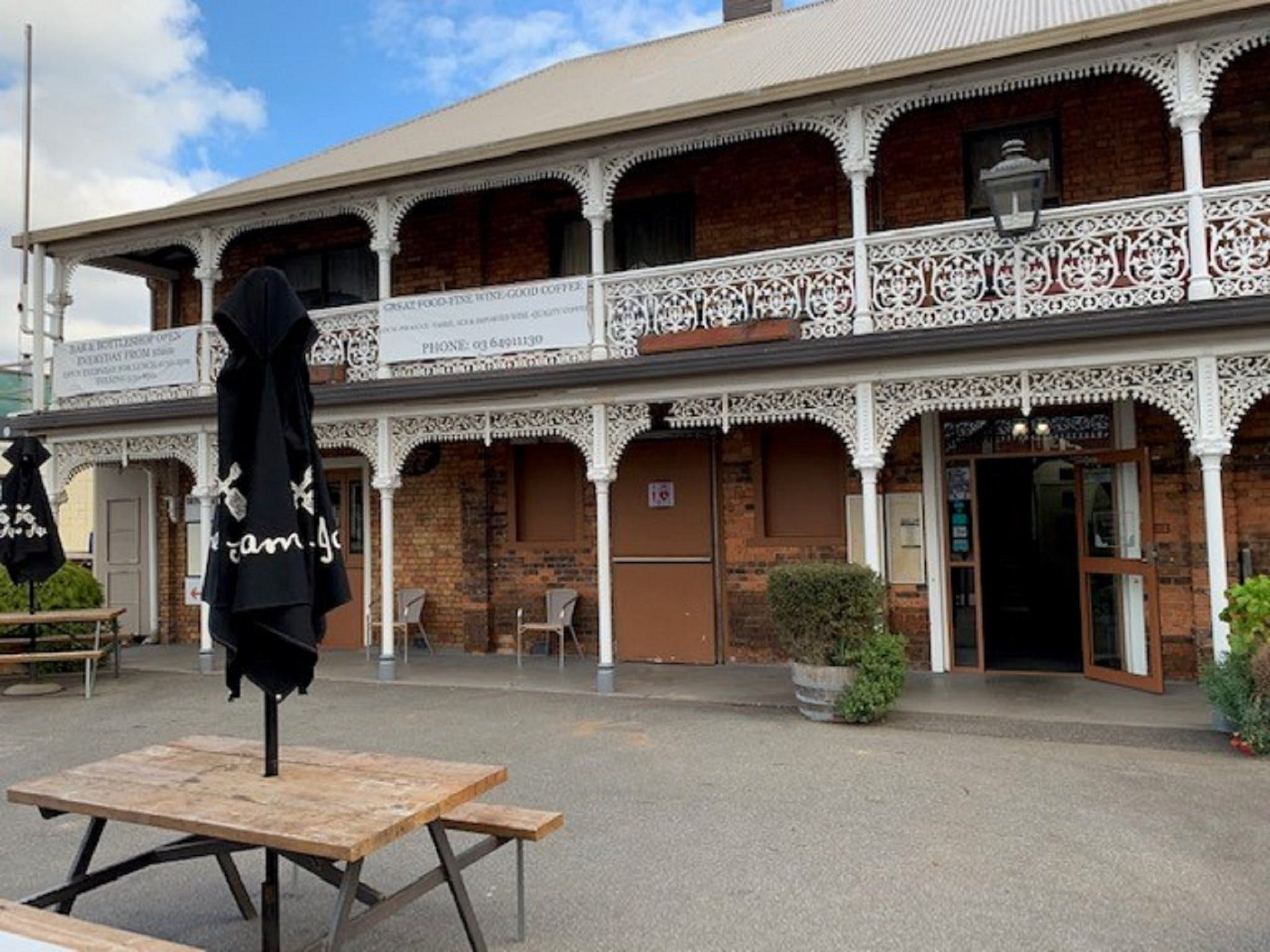 The Sheffield Hotel Tasmania - Accommodation Adelaide