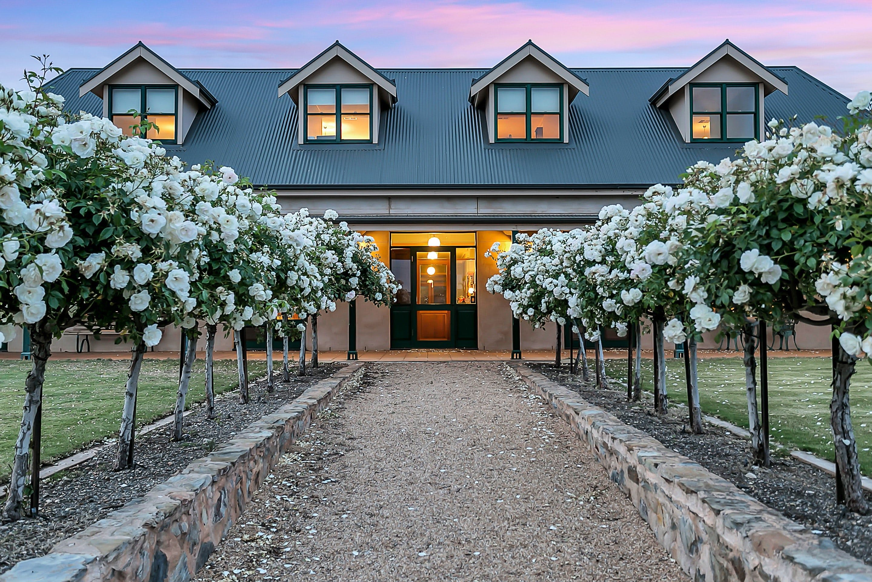Abbotsford Country House - Accommodation Adelaide
