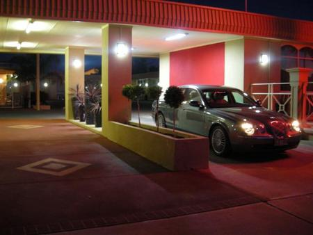 Desert Sand Motor Inn - Accommodation Adelaide