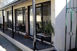 Courtside Cottage Bed and Breakfast - Accommodation Adelaide