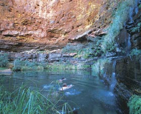 Dales Gorge and Circular Pool - Accommodation Adelaide