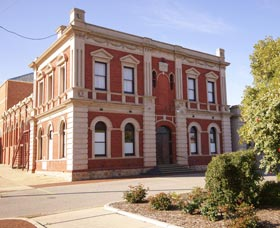 Northam Town Hall - Accommodation Adelaide
