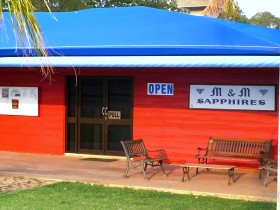M and M Sapphires - Accommodation Adelaide