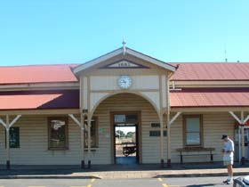 Maryborough Railway Station - Accommodation Adelaide