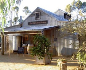 The Old School Winery and Pottery - Accommodation Adelaide