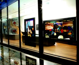 National Art Glass Collection - Accommodation Adelaide