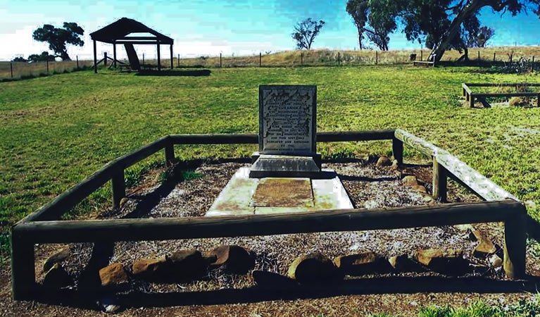 Yuranighs Aboriginal Grave Historic Site - Accommodation Adelaide