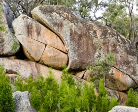 Frog Rock - Accommodation Adelaide