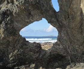 Glasshouse Rocks and Pillow Lava - Accommodation Adelaide