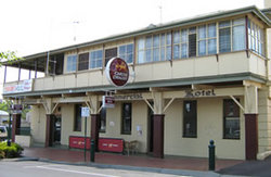 Commercial Hotel Alexandra - Accommodation Adelaide