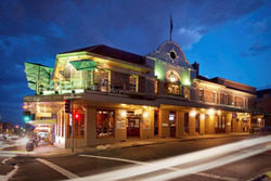 Town Hall Hotel - Accommodation Adelaide