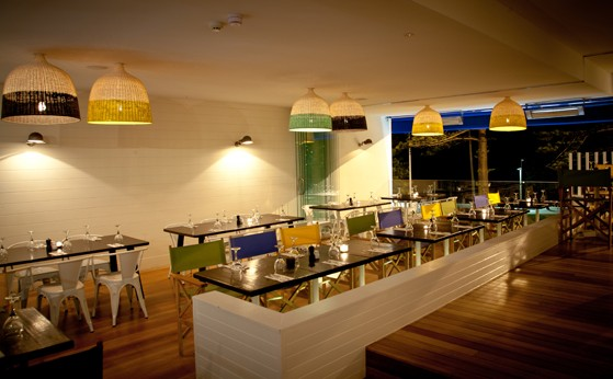 Deck Bar and Dining - Accommodation Adelaide