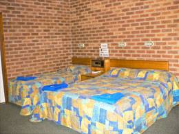 Bohle Barn Hotel Motel - Accommodation Adelaide