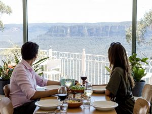 Christmas Day Lunch at The Lookout Echo Point - Accommodation Adelaide