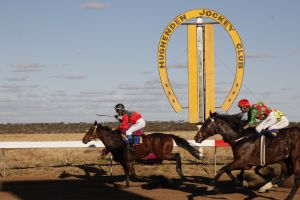 Hughenden  Cup Races - Accommodation Adelaide