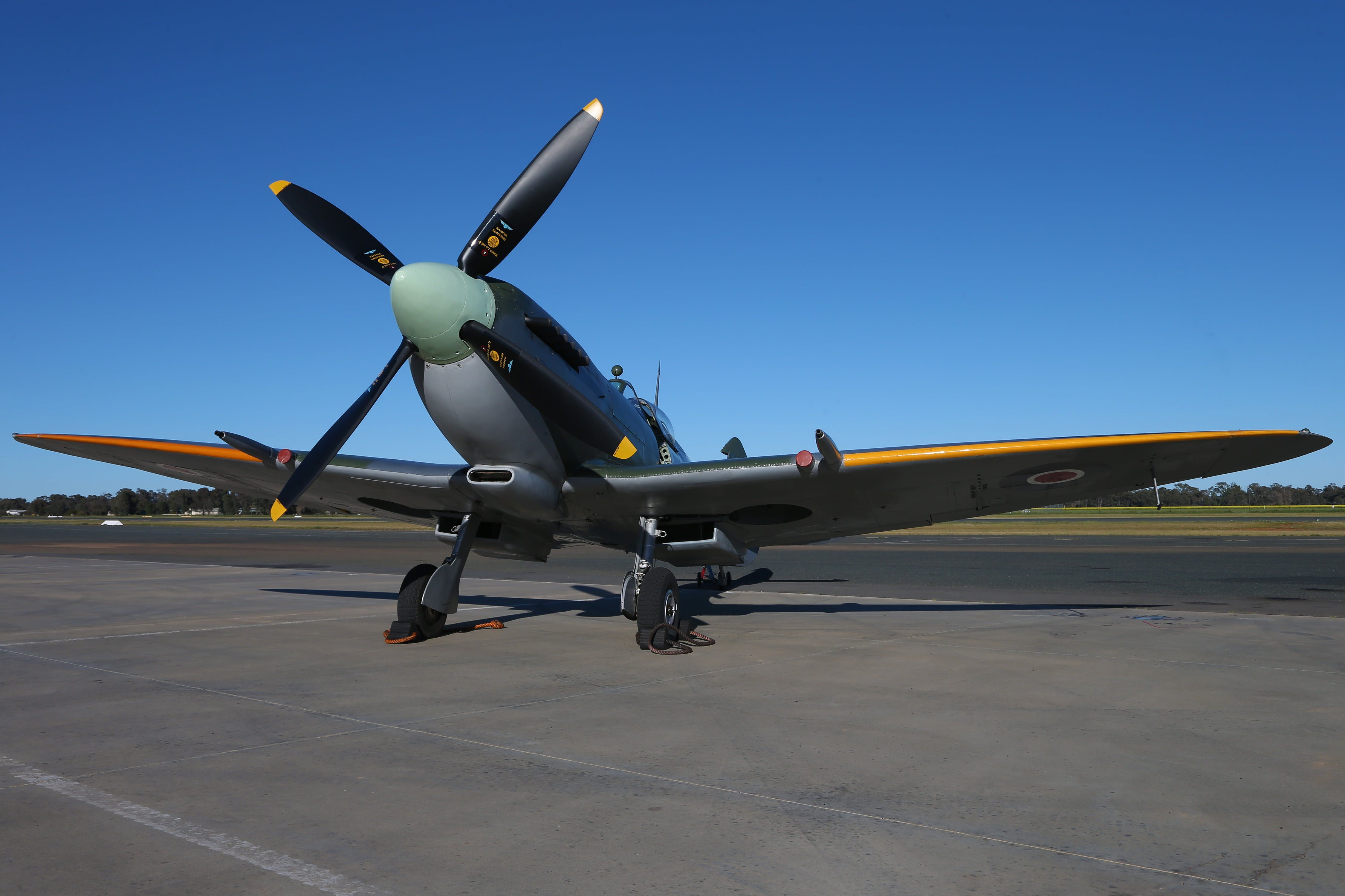 October Weekend Aircraft Showcase - Accommodation Adelaide