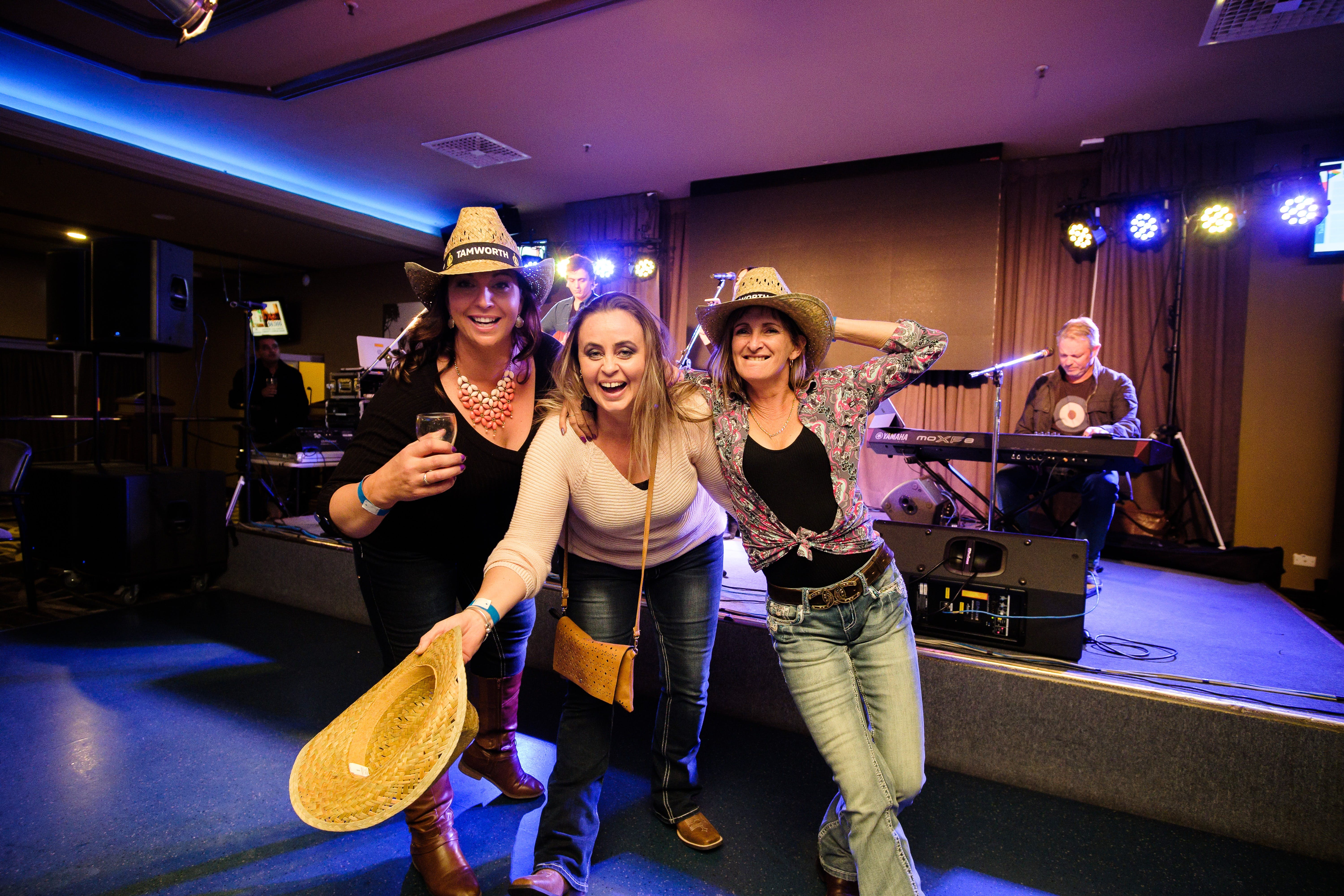 Hats Off to Country Music Festival - Accommodation Adelaide