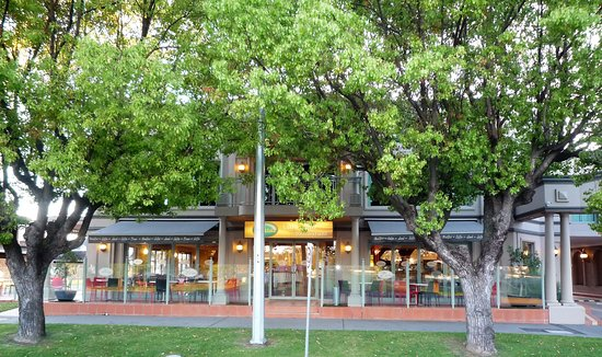 The Parklake Cafe-Bar-Restaurant - Accommodation Adelaide