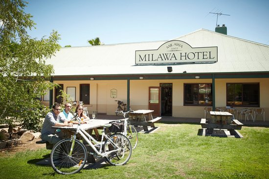 Milawa Commercial Hotel Restaurant - Accommodation Adelaide